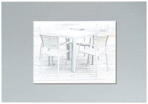 Überbelichten Tisch und Stuhl